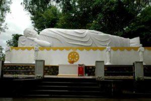 Tượng phật nằm ở Thích Ca Phật Đài